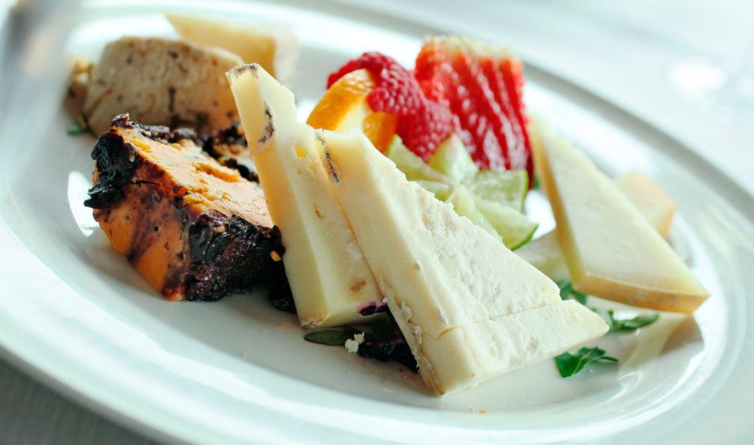Selezione di formaggi stagionati a menu