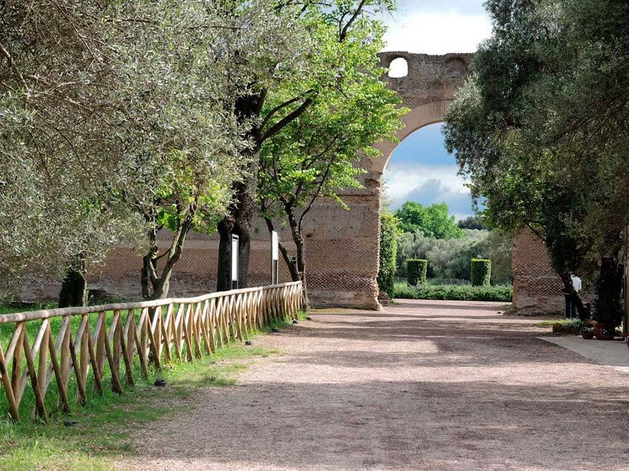 ingresso Pecile Villa Adriana